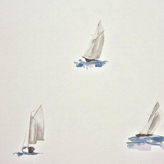 Обои Casadeco Marina MRN25066119 парусник на белом фоне
