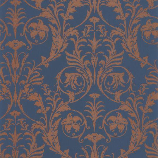 Шпалери Casadeco Montsegur MTSE86026564 з класичними мідними візерунками на темно-синьому тлі